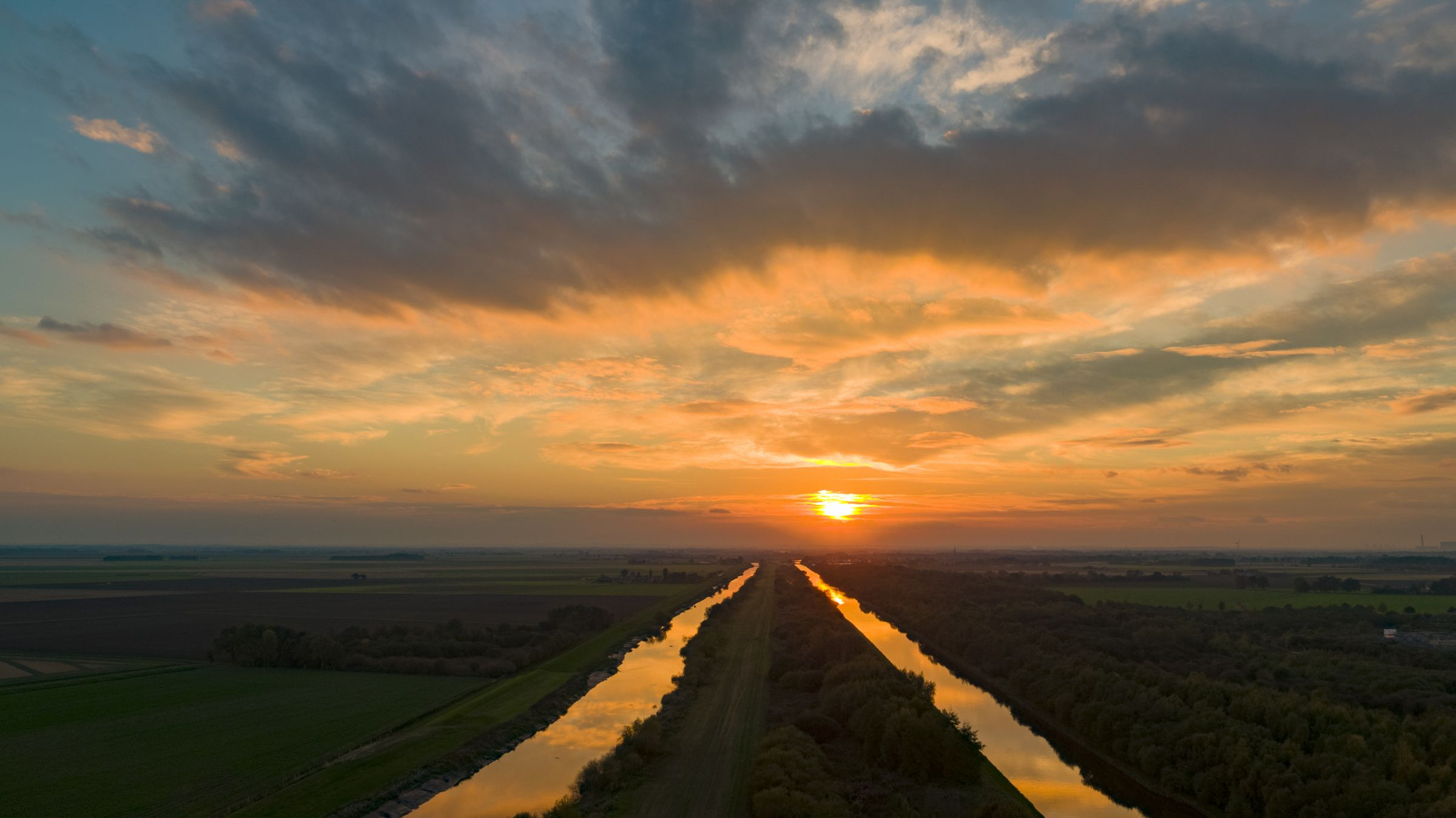 Sunset over the river Don in Yorkshire